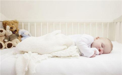 父母应该如何处理春季婴儿呕吐和腹泻?