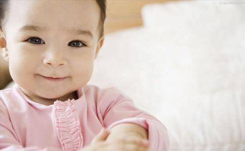 宝宝经常打嗝是怎么回事 为什么宝宝会经常打嗝 宝宝经常打嗝的原因是什么