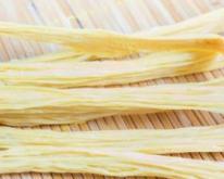 孕期食谱 芹菜拌腐竹的做法 芹菜拌腐竹