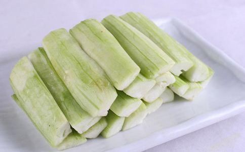 丝瓜吃多了会阳痿吗 丝瓜吃多了会怎样 男人吃丝瓜的危害