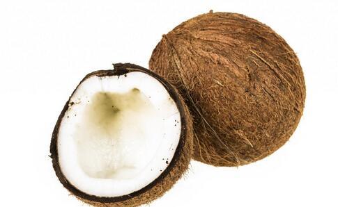 吃椰子吃出闹心事 椰子有什么功效 椰子的功效有哪些