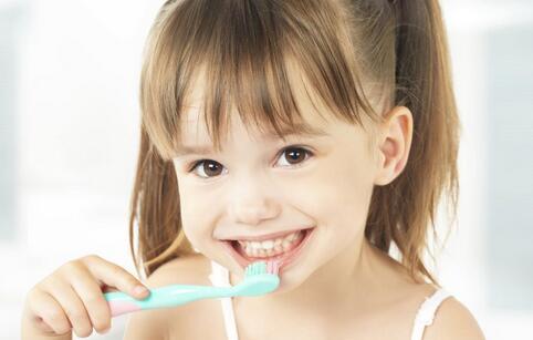 儿童如何保护牙齿 儿童保护牙齿的方法 儿童保护牙齿吃什么食物