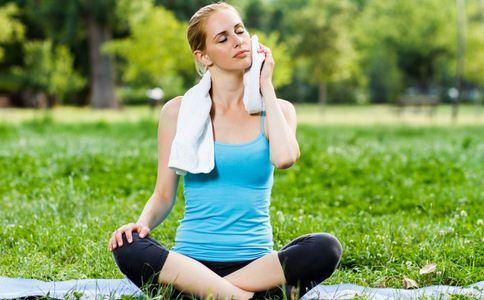 练水果v水果减肥瘦身的动作有哪些四季瘦身的瑜伽有哪些瑜伽瘦身的瑜伽图片
