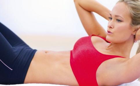 如何减掉腹部赘肉 瘦水桶腰最快的方法