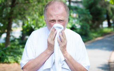 如何预防哮喘 如何控制哮喘 有哮喘穿什么衣服好