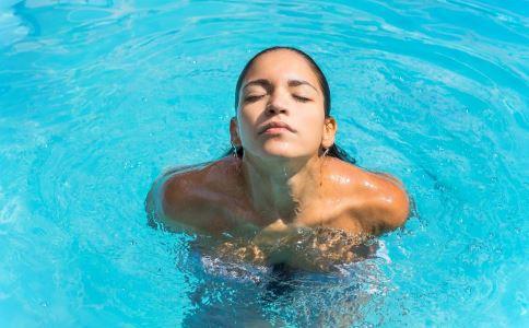 女性游泳必须要注意的3个细节