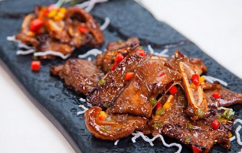 深圳查获走私冻品 走私肉的危害有哪些 如何辨别走私肉