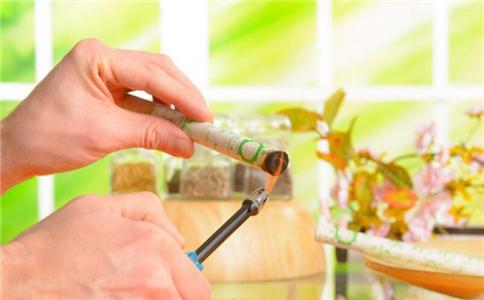 艾灸哪些穴位能保健 艾灸要注意什么 艾灸有哪些注意事项