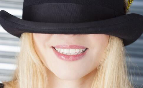 错把舌癌当口腔溃疡 舌癌的症状有哪些 舌癌的预防方法是什么