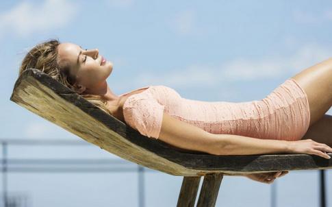 夏季高血压饮食要注意哪些事项 夏季要如何降低血压 夏季降血压的方法有哪些