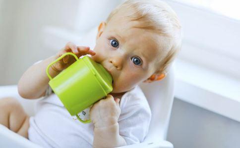 宝宝长牙期吃什么好 宝宝长牙期吃什么 宝宝长牙期注意事项