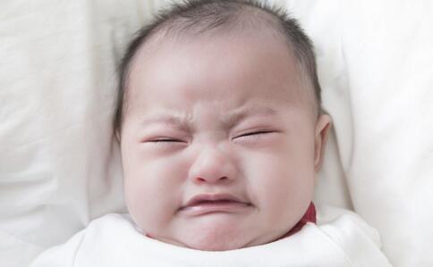 婴儿被医生剪掉手指 如何预防婴幼儿烫伤 预防婴幼儿烫伤的方法有哪些