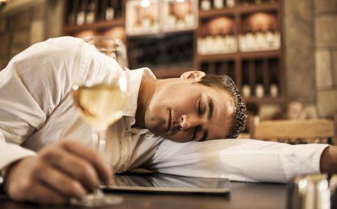 喝醉酒对肝脏有伤害吗 酒后会伤肝吗 怎么喝酒能保护肝脏