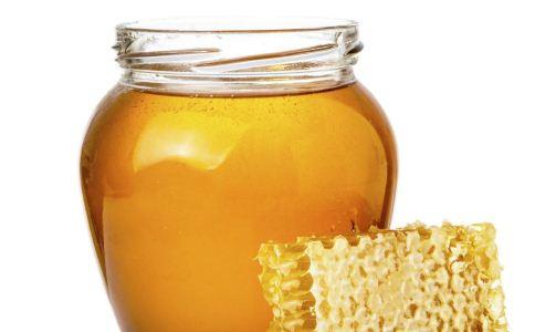 月经期喝蜂蜜的好处 蜂蜜怎么吃才好 蜂蜜的食用方法