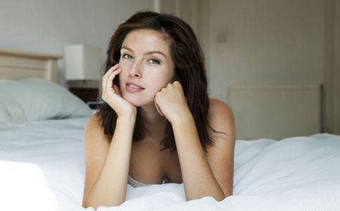 为什么中年女人容易出轨 中年女人容易出轨的原因 女人出轨的心理