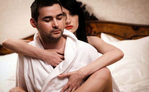 哪些细节判断是否花心男 花心男有哪些表现 花心男人的特征