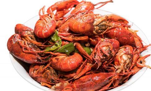 偷30斤龙虾一次吃光 吃小龙虾注意什么好 吃小龙虾注意哪些事