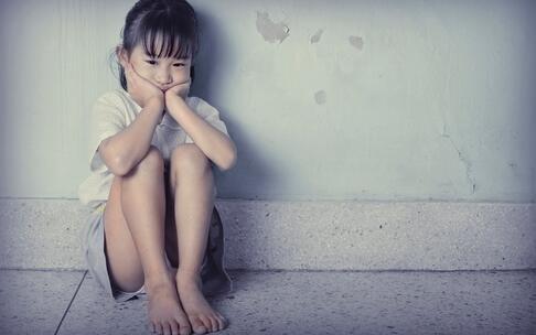 拒午睡遭老师施暴 暴力对孩子的心理伤害 暴力带来哪些心理伤害