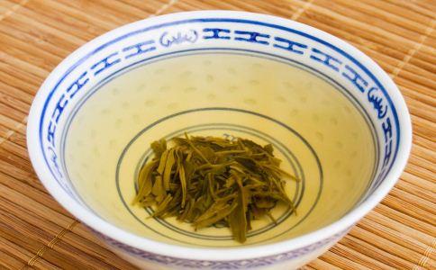 老人喝茶能预防老年痴呆症吗 老人喝什么茶好 老人养生喝什么茶