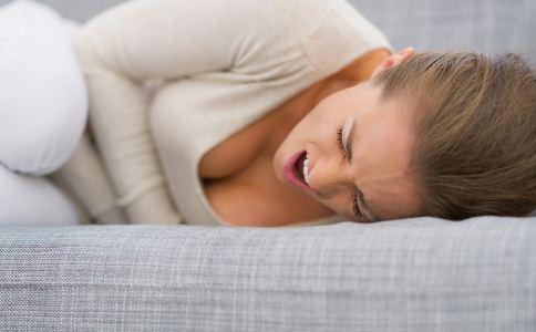 饭后哪些症状预示胃病 饭后做什么会伤胃 患胃病的症状有哪些
