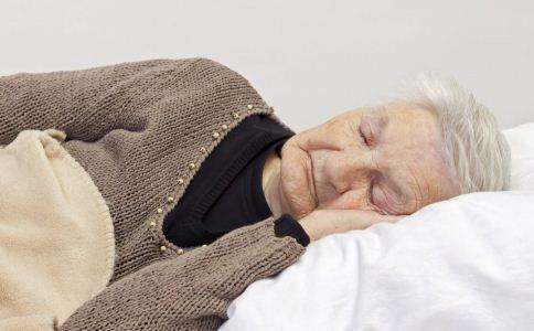 中老年人失眠怎么治 老人失眠吃什么好 治疗老人失眠的方法
