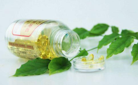 脸过敏发红痒怎么办 脸过敏急救方法有哪些 过敏的治疗方法
