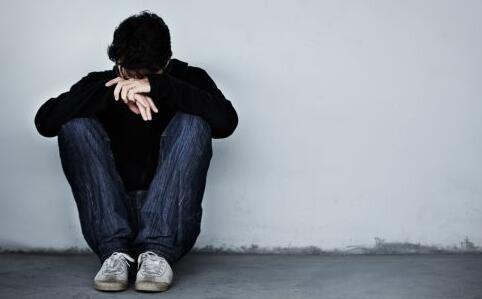 直播杀人男子自杀 哪些人易自杀 如何预防自杀