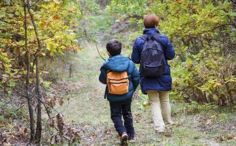 步行能对人体的好处 步行的功效与作用 步行锻炼的注意事项