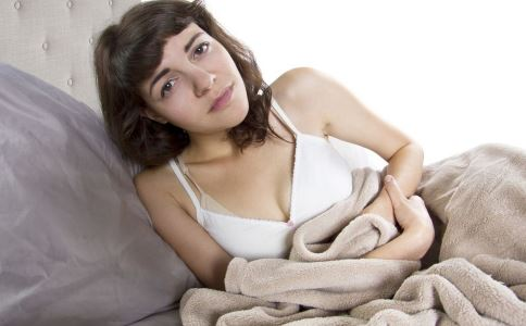 女性痛经是什么原因 导致痛经的原因有哪些 痛经怎么办