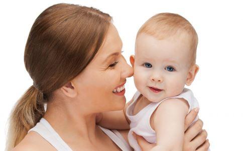 婴儿每天抱多久 三个月宝宝每天抱多久 6个月宝宝每天抱多久