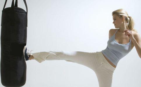 有氧搏击操:能快速减肥并增肌