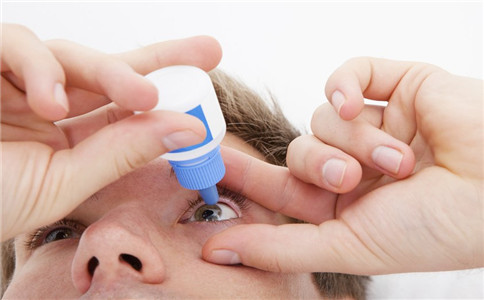 眼睛干涩怎么办 眼睛干涩该注意什么 眼睛干涩吃什么
