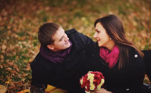 初恋为什么那么难忘 初恋难忘的原因 初恋为什么难忘