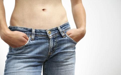 女生怎样减肚子赘肉_腹部赘肉多的女生 怎么瘦腹部效果最好_瘦腹_减肥_99健康网