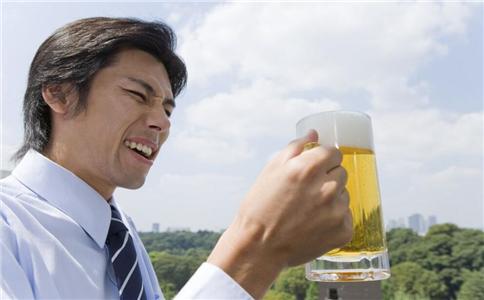 过量喝酒有什么危害 如何健康喝酒 多少才算是适量喝酒
