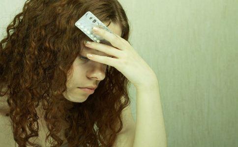 女人吃避孕药有什么危害 避孕药怎么吃不伤身 服用避孕药的方法