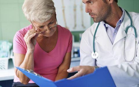 夏天老人需要做哪些体检 夏天老人体检的项目 夏天老人体检的注意事项