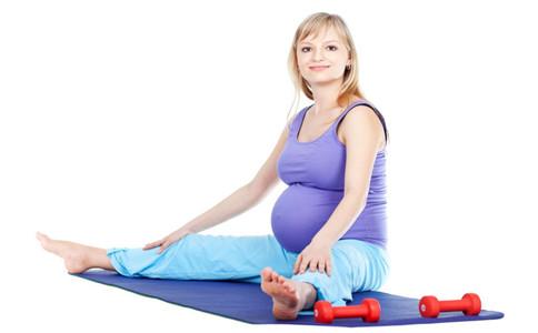 孕妇练瑜伽的好处 孕妇瑜伽注意事项 孕妇能练瑜伽吗