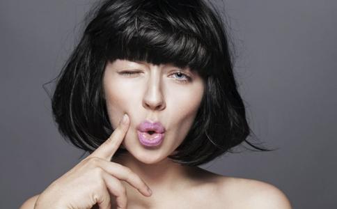 夏季如何护肤 夏季护肤的小窍门 女性夏季护肤的小技巧