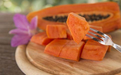 经期吃木瓜能丰胸吗 木瓜丰胸的方法 木瓜怎么吃能丰胸