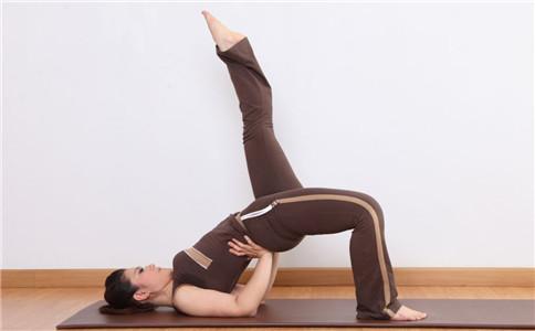 普拉提瘦腰腹动作 普拉提练习时的注意事项 普拉提怎么瘦腰腹