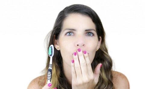 如何护理口腔 怎么护理口腔 口腔的护理方法有哪些
