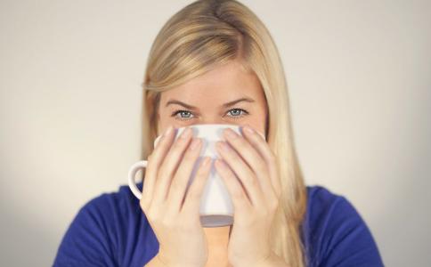 过敏性鼻炎和感冒的区别 如何区分过敏性鼻炎和感冒 鼻炎的原因是什么