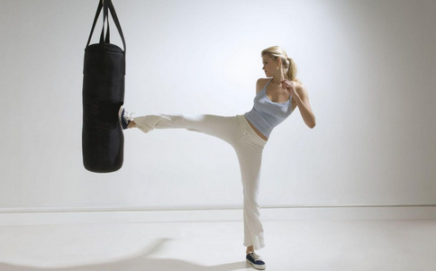 女性健身的误区 女性如何健身 腹肌的锻炼方法