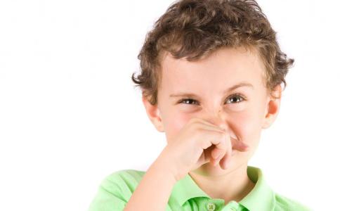 如何预防小儿感冒 小儿感冒的并发症 哪些食物预防小儿感冒