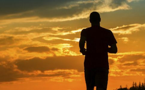 什么时间运动效果好 什么时间做运动好 傍晚运动的好处