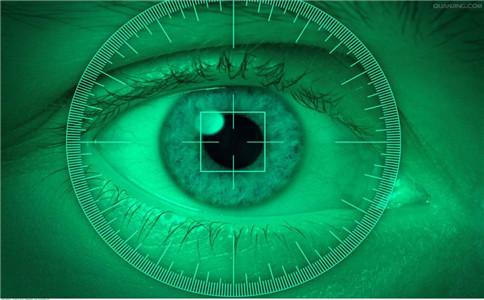 夜盲症如何治疗 夜盲症可以治愈吗 夜盲症吃什么好