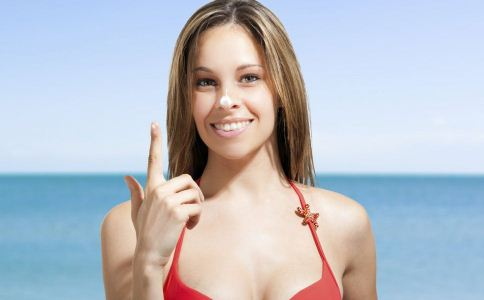 防晒霜怎么用 防晒霜的正确用法 夏季如何防晒才好