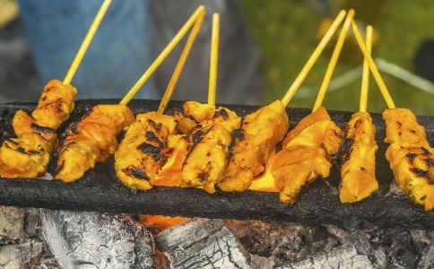 夏季如何烧烤 烧烤要准备什么食物 烧烤要注意什么