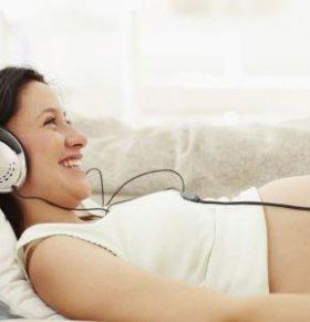 胎教听什么音乐最好  孕妇胎教听什么音乐好 胎教音乐怎么听好
